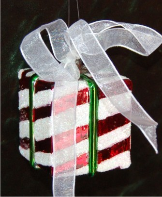 Elegant Package Candy Cane Stripes Glass