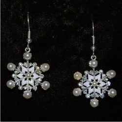 Christmas Earrings - Pearls N' Snowflakes