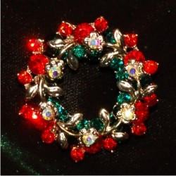 Christmas Pin - Holiday Wreath