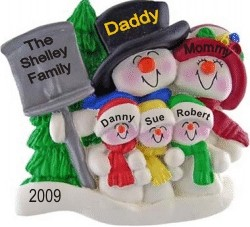 Top Hat Snow Family for 5 with Tree