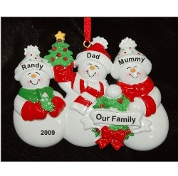 Snow Family with Tree for 3